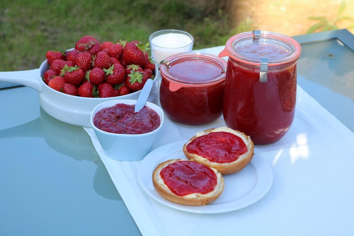 Hjemmelavet jordbær-marmelade opskrift selvforsyning DIY